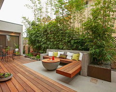California Contemporary contemporary-deck