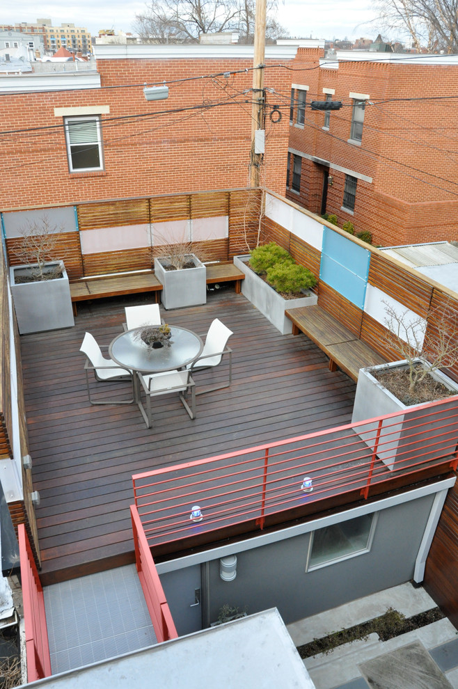 Example of a trendy deck design in DC Metro