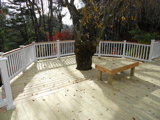 Cedar Inlay Deck Around Oak Tree
