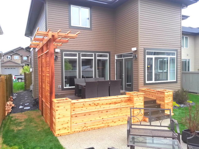 Cedar planters with privacy screen and pergola craftsman for Privacy planters for decks