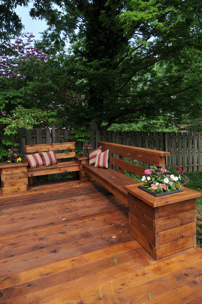 Example of a classic deck design in St Louis with no cover