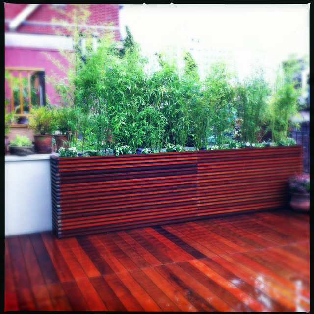 Chelsea roof deck ipe planter boxes bamboo privacy for Privacy planters for decks