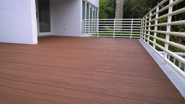 Composite Decking Featuring Azek Vintage Collection
