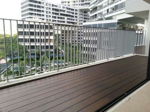 Condo interlace singapore modern deck singapore for Balcony ideas singapore