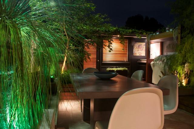 Contemporary Native Courtyard contemporary-deck