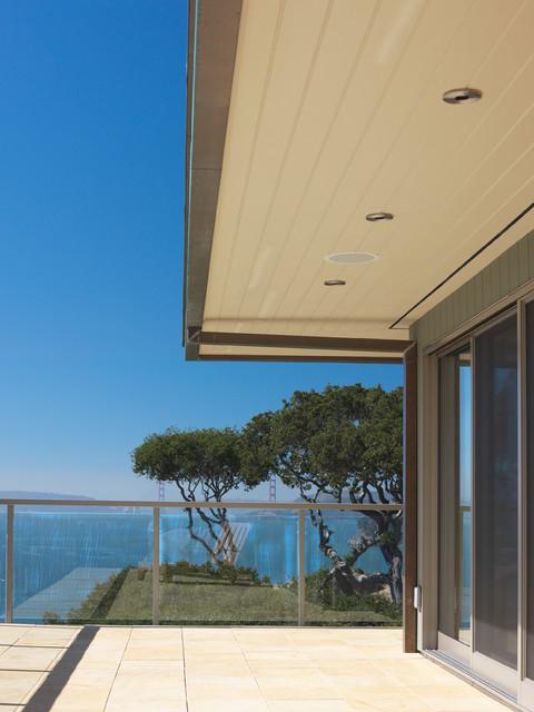Contemporary Tiburon home modern-patio