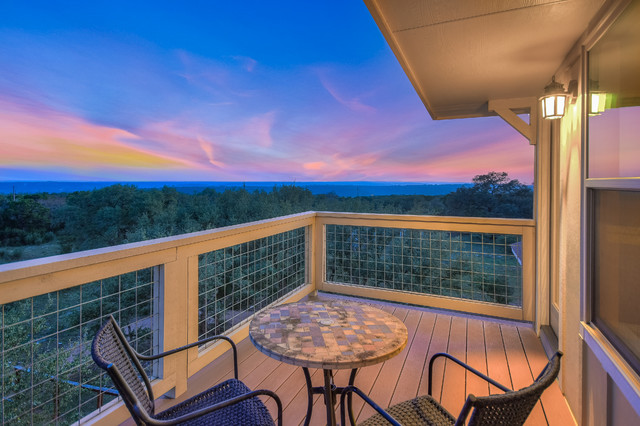 Inspiration for a timeless deck remodel in Austin