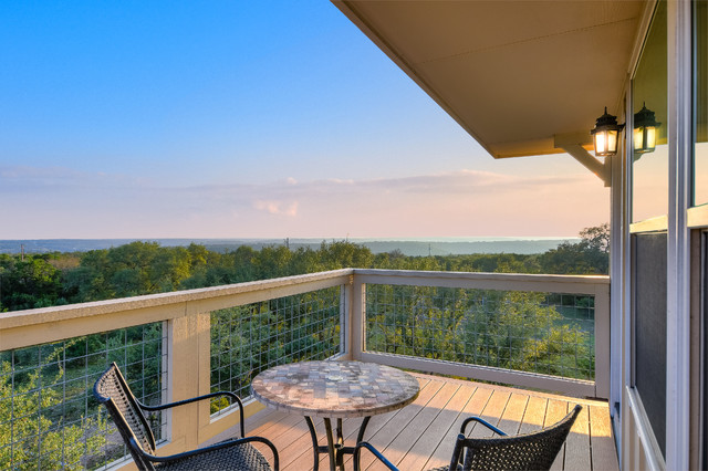Example of a classic deck design in Austin