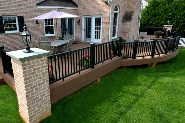Curved Portion Of Deck Custom Brick Columns To Match