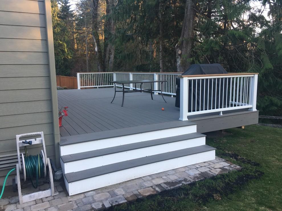 Custom Composite Deck & Railings Build