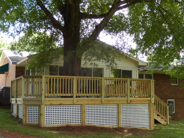Custom Deck Addition Featuring Square White Vinyl Lattice