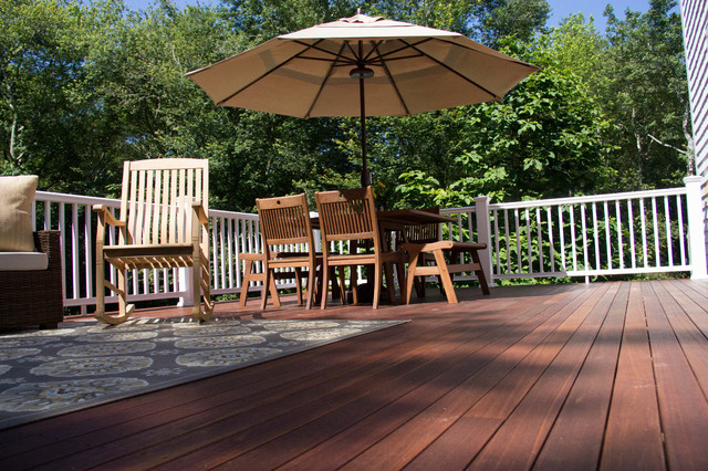 Custom deck traditional deck providence by exodus for Eagleville pool and spa