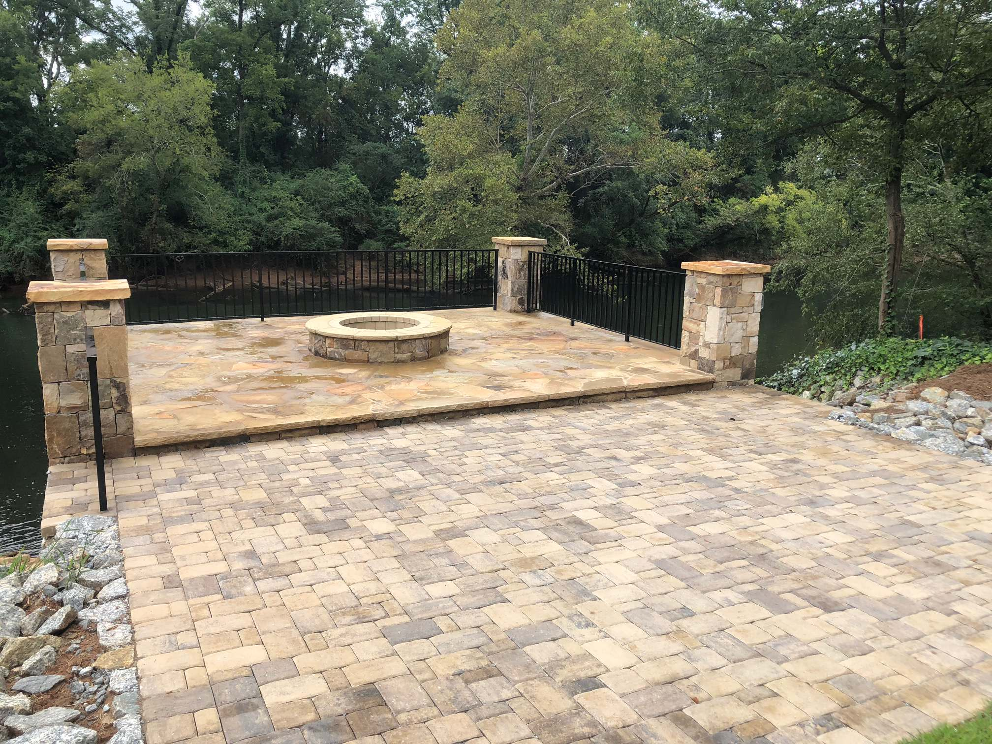 Custom Outdoor Space on the Etowah River