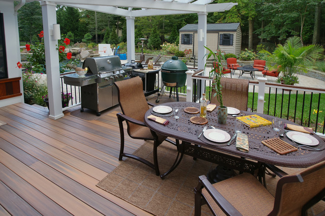 Davidsonville porch traditional-deck