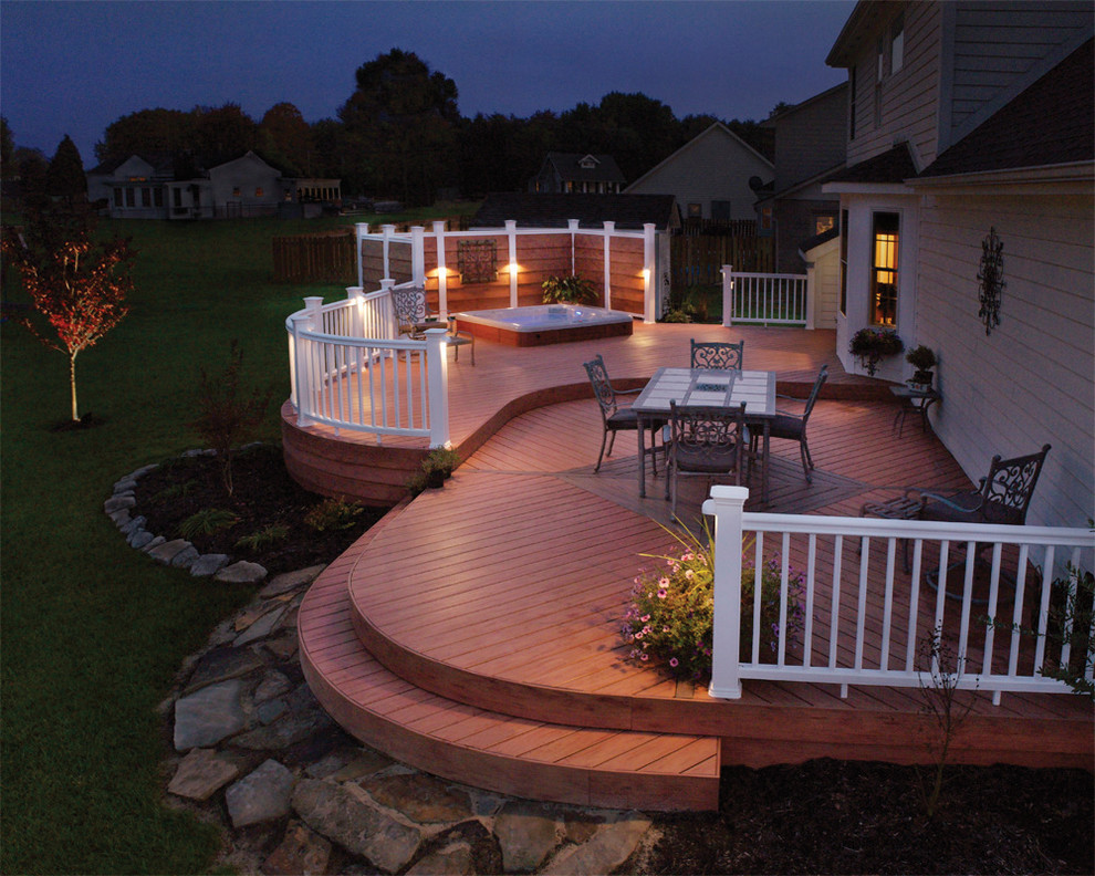 Example of a classic deck design in Raleigh