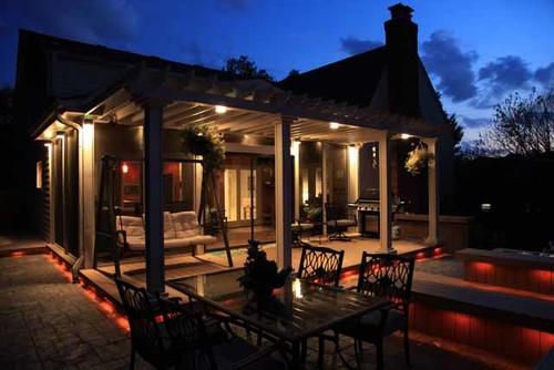 Deck & Screen-Porch Lighting
