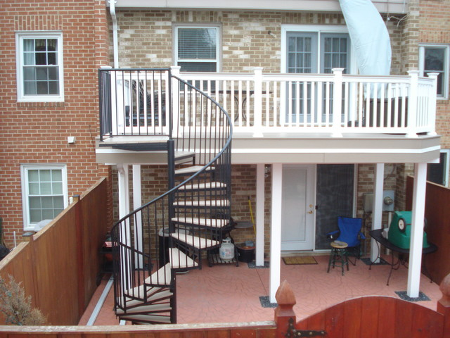 Bon Example Of A Mid Sized Classic Backyard Deck Design In Baltimore