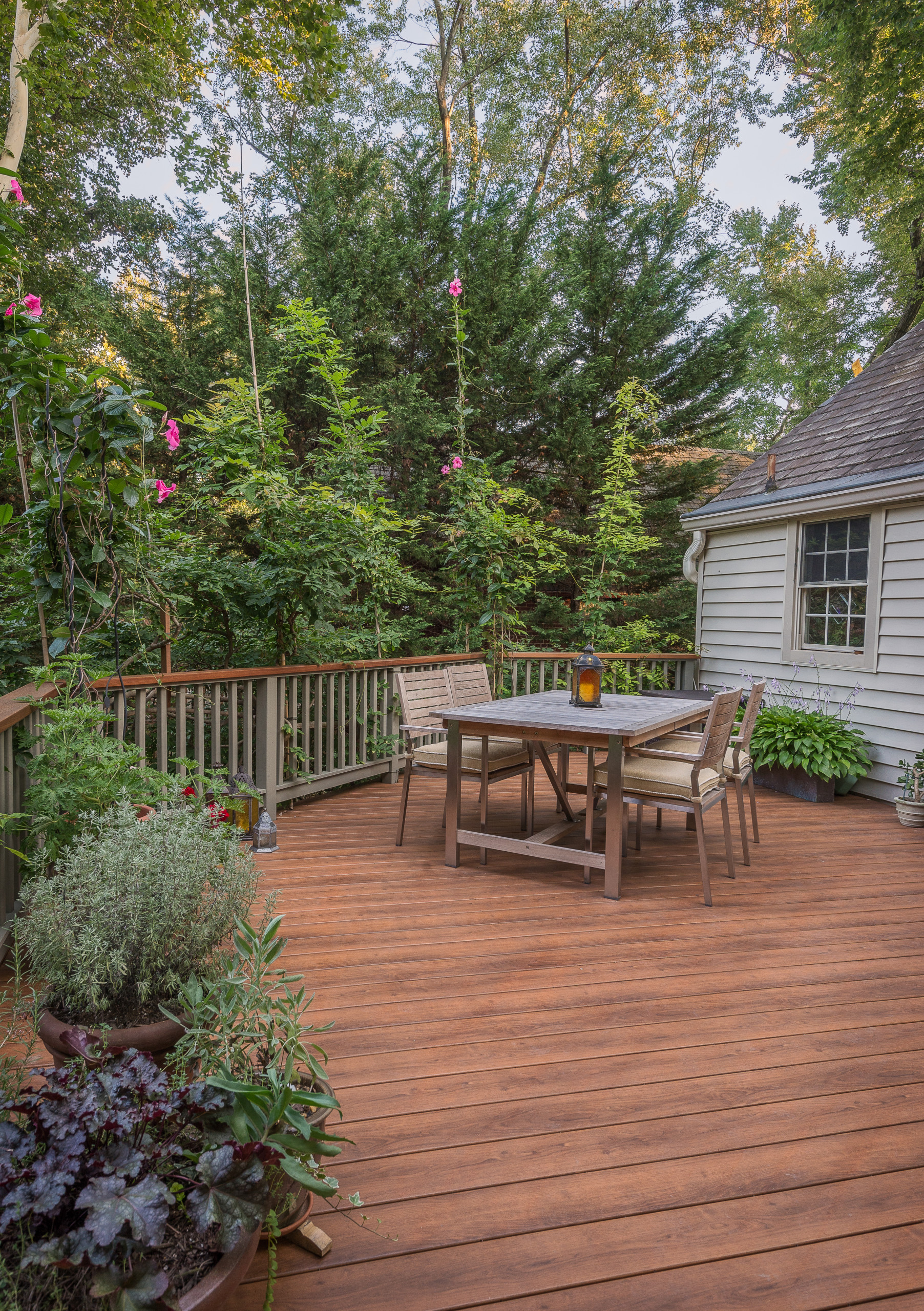Deck made with Zuri product