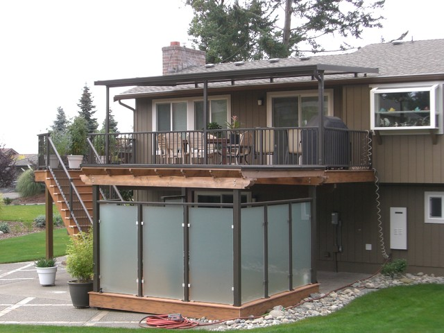 Gentil Deck   Large Traditional Backyard Deck Idea In Seattle With An Awning