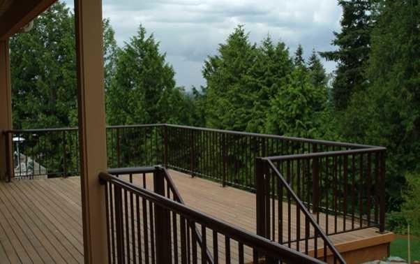 Decks & Fences traditional-deck