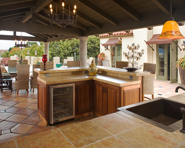 Designing housewives design and staging projects for Mediterranean deck designs