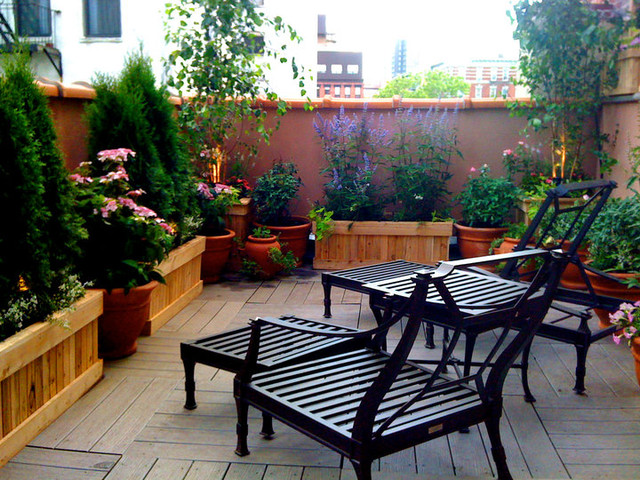 East village nyc terrace design roof garden planter for Terrace seating ideas