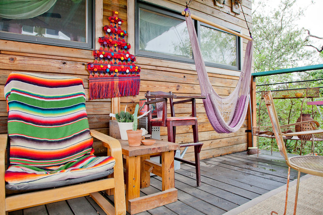 Eco Artist's House eclectic-deck