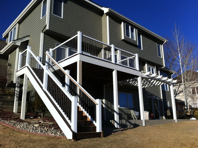 Elevated deck and painted pergola - Deck - denver - by Sundeck ...