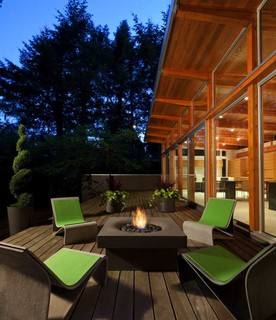 Elevated halo firepit deck vancouver by solus decor inc for Halo salon vancouver