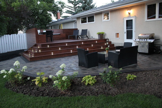 Elphinstone Backyard Project modern-deck