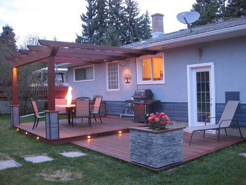Two-Tier Deck with Pergola and Planter