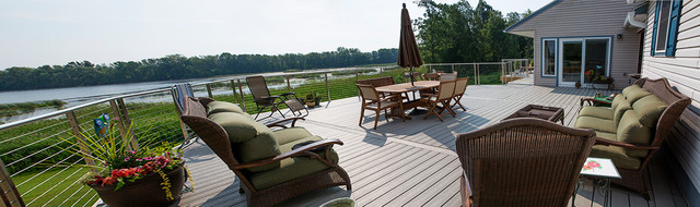 Extended Deck & Clearview Rail System traditional-deck