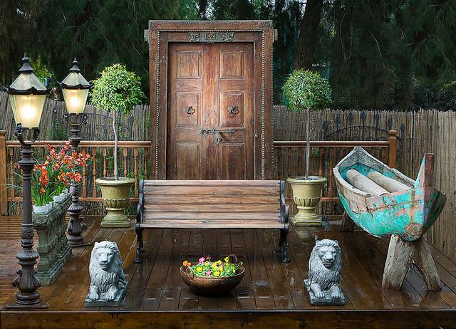 exterior eclectic-deck