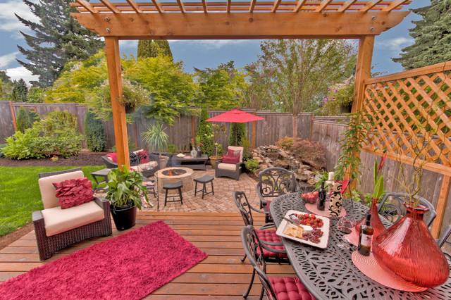 Fire pit - Water feature - Pergola - Paver courtyard traditional-deck