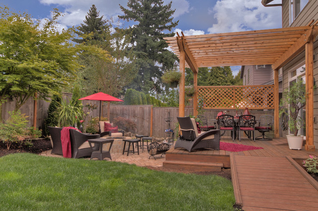Fire pit water feature pergola paver courtyard for Pergola images houzz