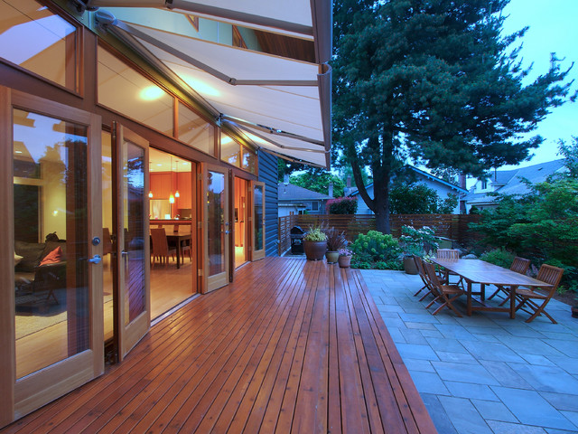 Flip Flop House S Modern Deck Seattle By Mohler