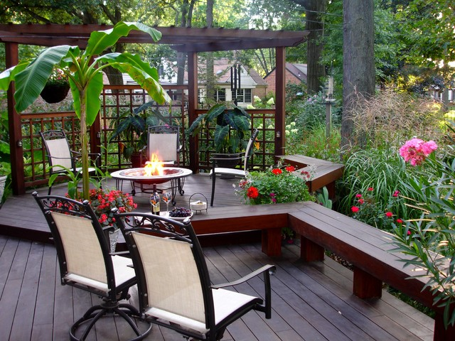 Garden Envy in South Toledo traditional-deck
