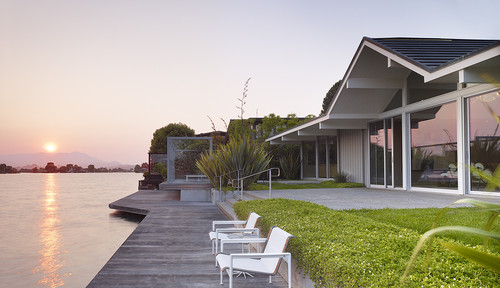Gary Hutton Lagoon House contemporary exterior