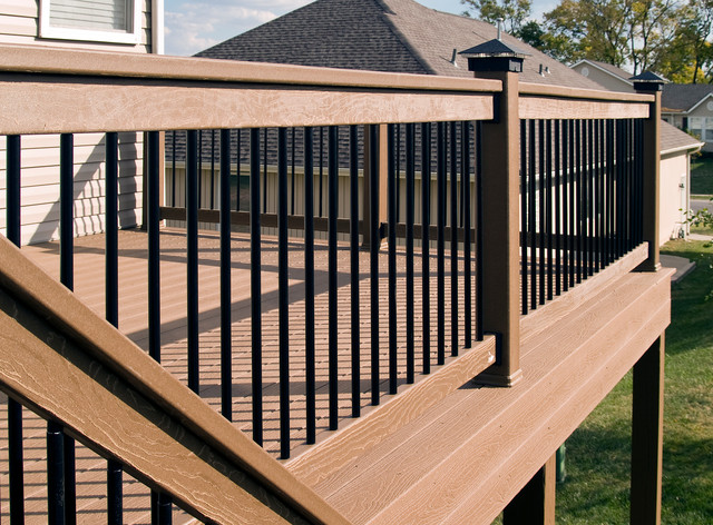 Giese Evergrain Composite Deck Kansas City Traditional