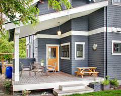 Greenlake Craftsman traditional deck