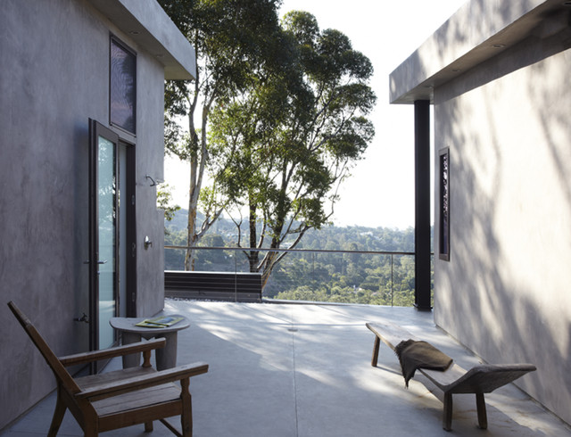 GRIFFIN ENRIGHT ARCHITECTS: Mandeville Canyon Residence modern-deck