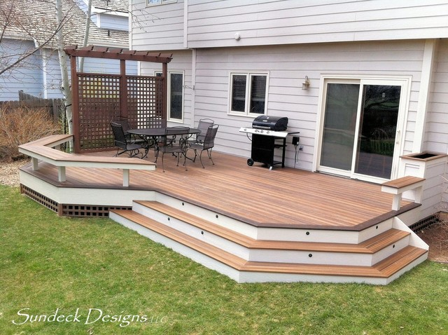 Ground level evergrain deck deck denver by sundeck for Sundecks designs