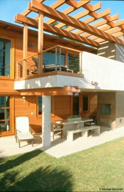 Hall contemporary-deck