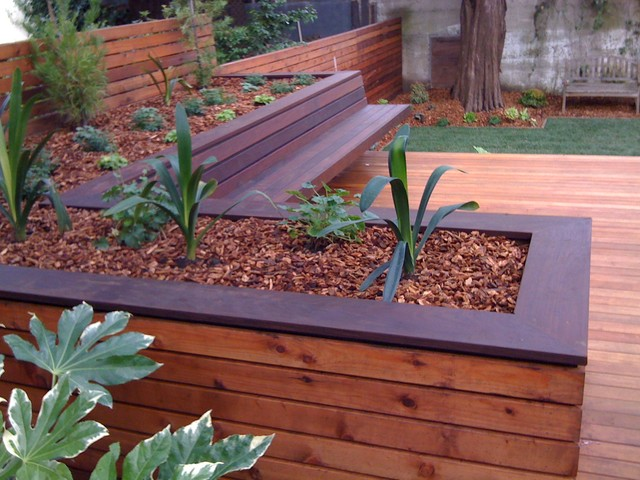 Hardwood deck with built in bench and planters for Deck garden box designs