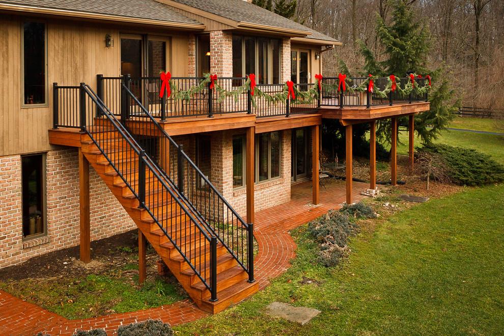 Hardwood Multilevel Deck with Aluminum Rail - Traditional ...
