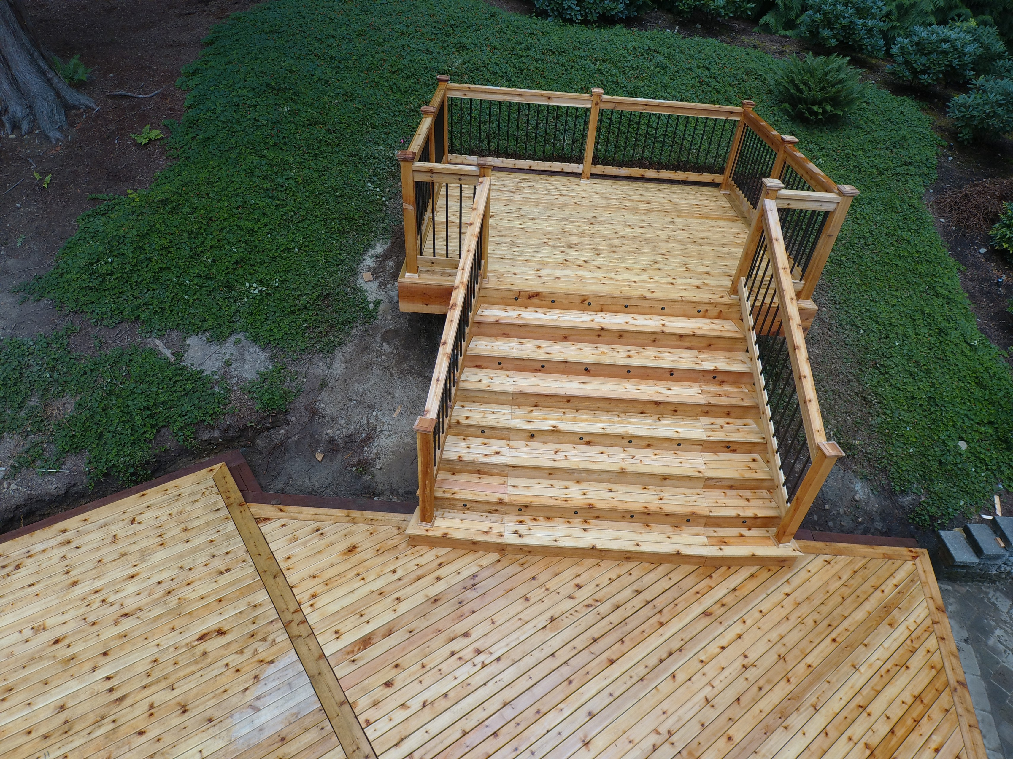 Issaquah-Highlands New Cedar Deck (Teardown, Rebuild, & Expand)