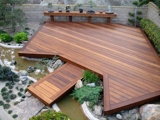 Example of a water fountain deck design in San Diego