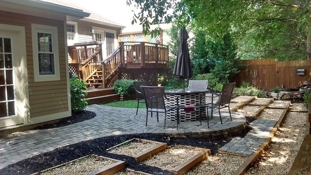Johnson Deck and Landscape traditional-deck