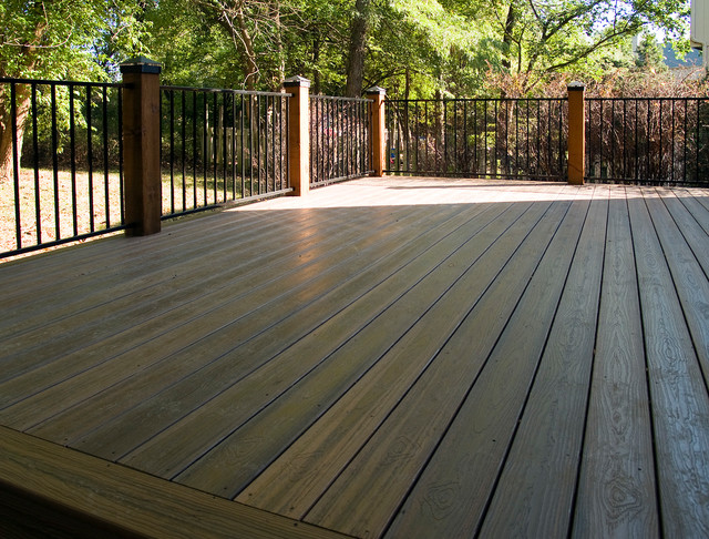 Kincaid envision composite deck in overland park for Envision decking