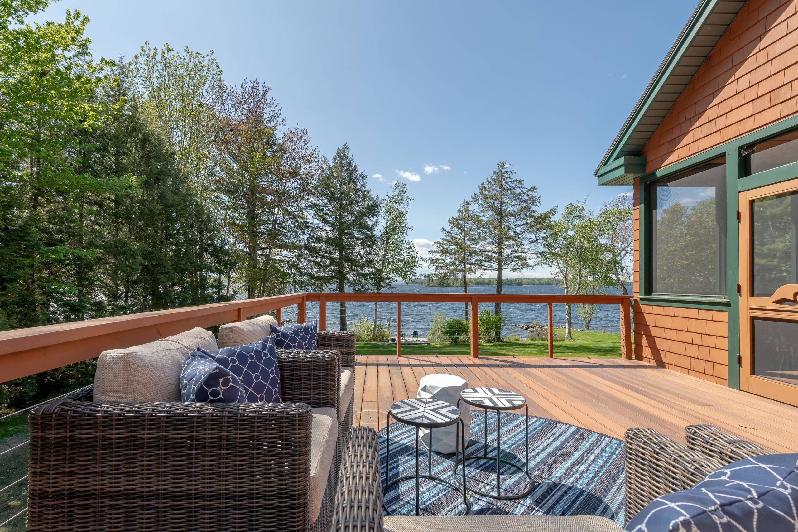 Lakehouse in Maine